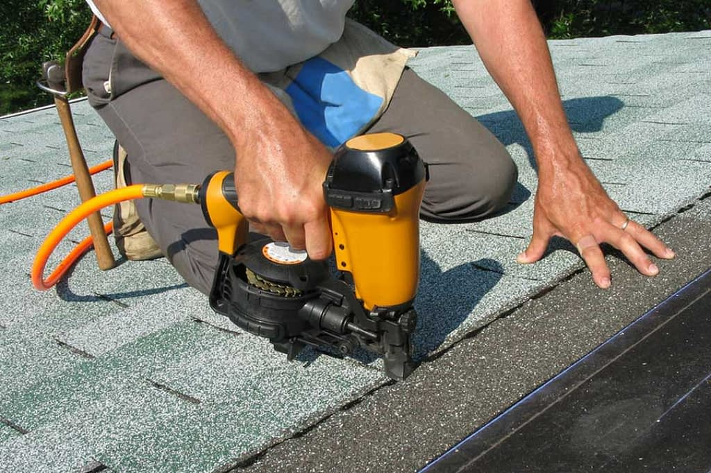4 Risks of DIY Roofing Projects